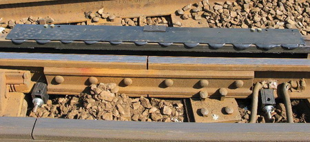 Automatic Lubrication Systems reduce noise emission from restraining rail friction.